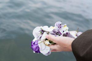散骨の風景 人とペットの海洋葬